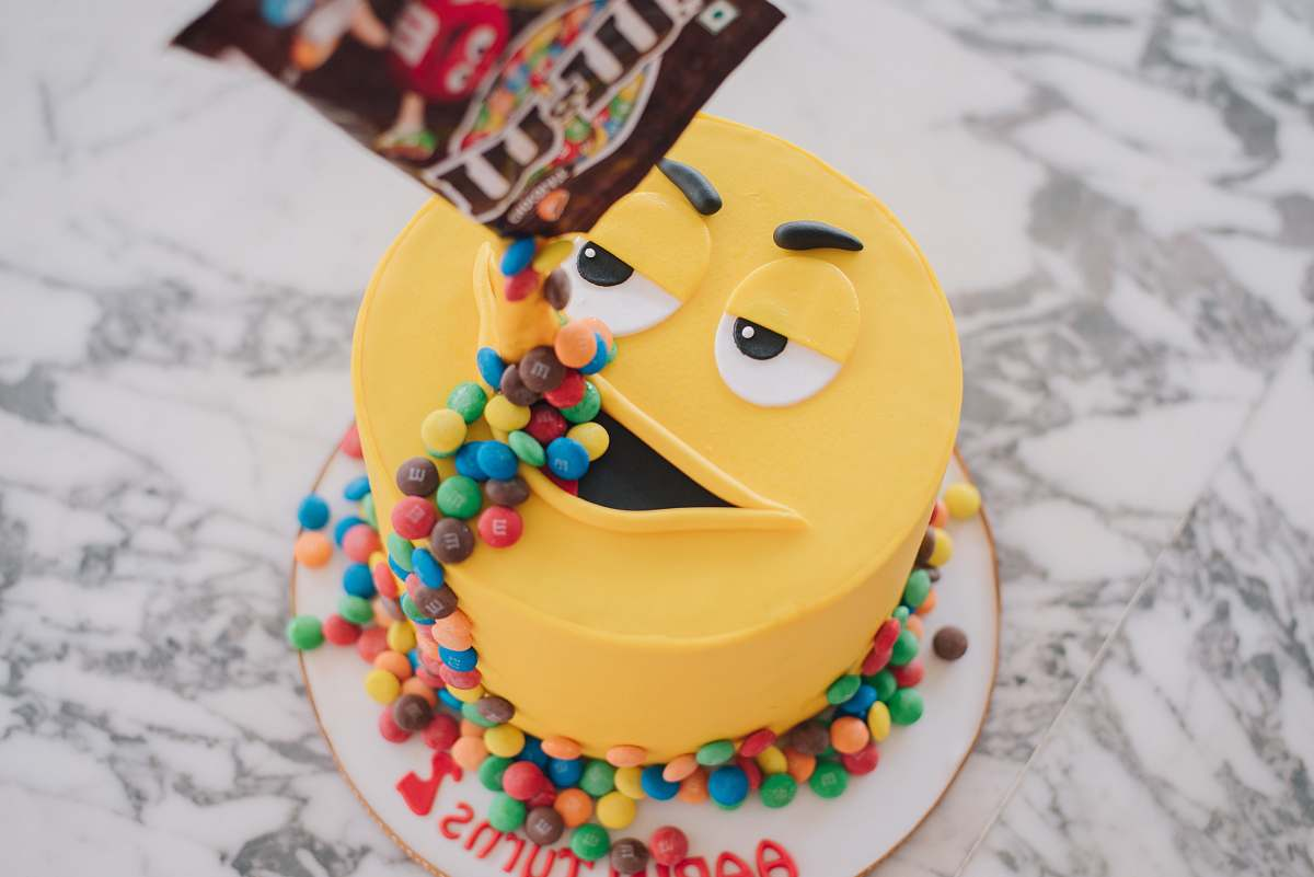 Magnificent Birthday Cake Mm Pack Pouring Candies On Mm Cakes Mouth On Funny Birthday Cards Online Bapapcheapnameinfo