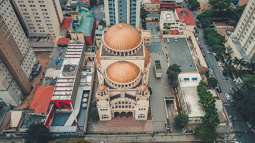 building aerial photography of beige and white concrete building dome