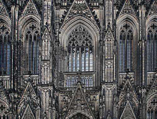 building closeup photo of Cologne Cathedral cathedral