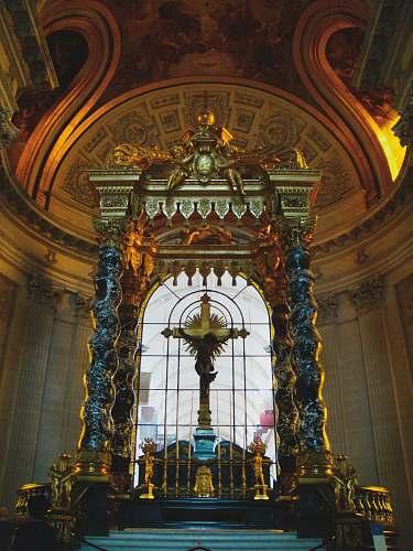 building crucifix altar