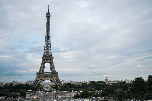 building Eiffel tower during daytime tower