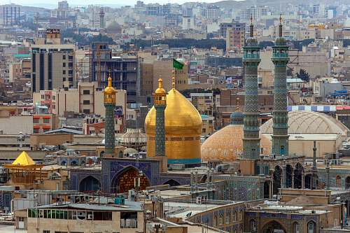 building gold mosque dome