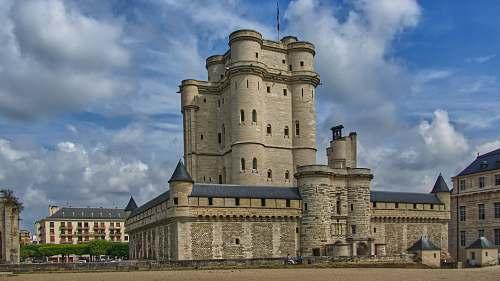 building gray concrete palace fort