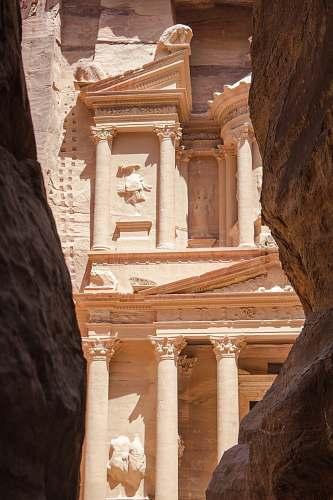 building Petra, Jordan pillar