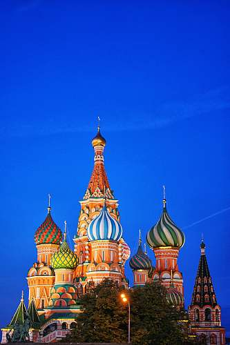 building St Basil's Cathedral dome