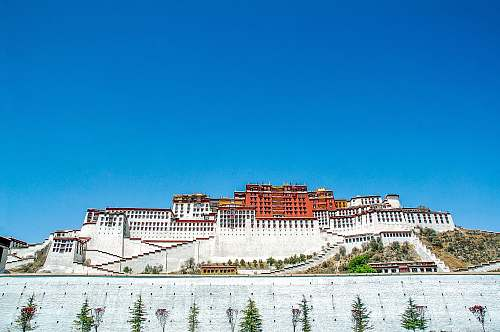 building The Potala Palace, Lhasa housing