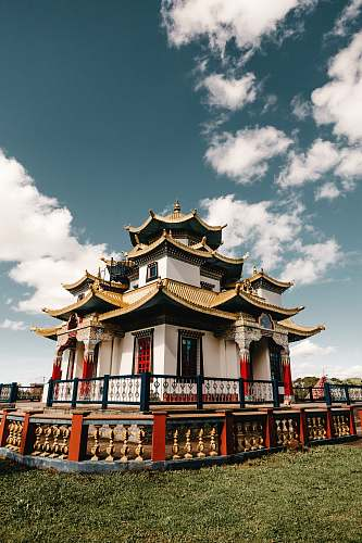 building whiteand red temple monastery