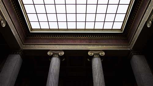 architecture focus photo of ceiling pillar