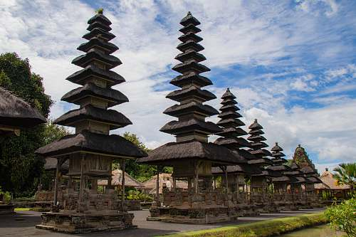 photo worship Taman Ayun Temple in Bali pagoda free for commercial use images