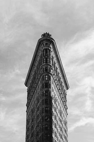 black-and-white Flatiron building, New York architecture
