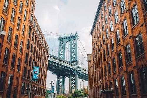 building Manhattan bridge urban