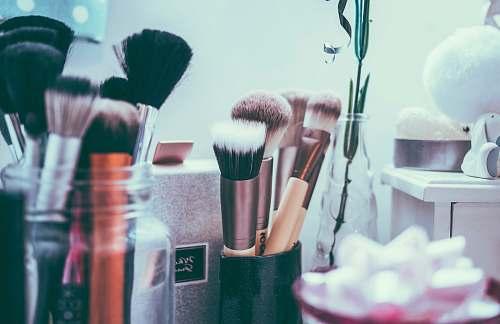 makeup assorted makeup brushes brushes