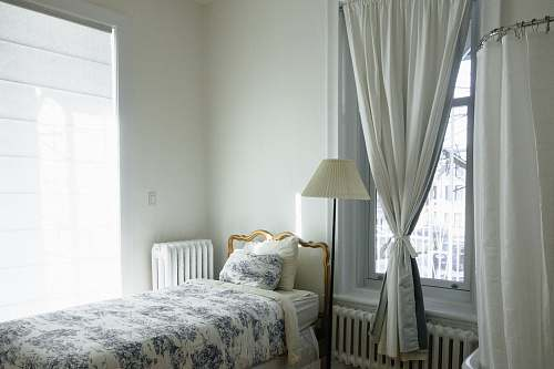 room white and blue floral comforter interior