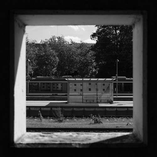 train gray frame kiel