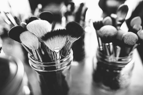 makeup pile of brush lot brushes