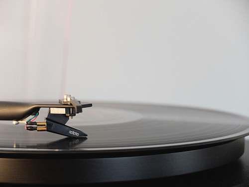 record round black vinyl disc on vinyl player vinyl