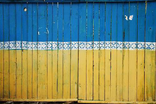 photo ukraine yellow and blue wooden fence shipping container free for commercial use images