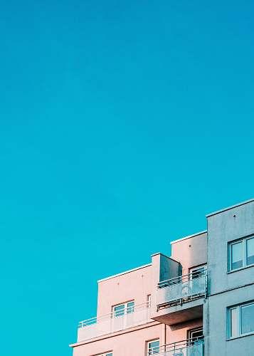 building white structure under blue sky urban