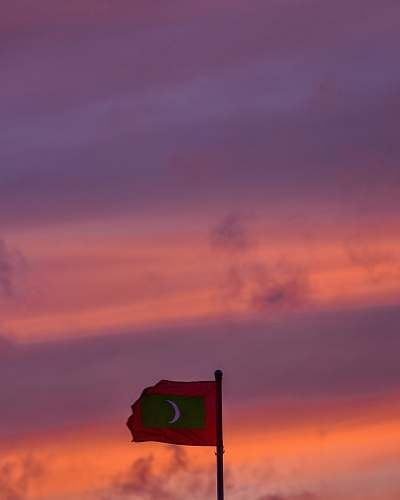 symbol red and green flag nature