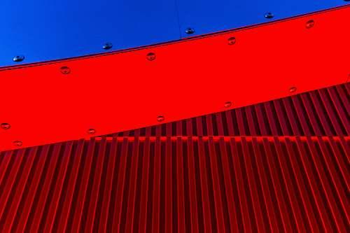 building red surface petersen automotive museum