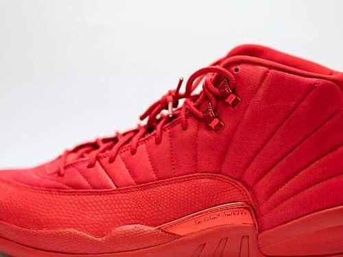 clothing unpaired red Air Jordan 12 apparel