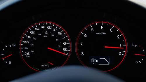 gauge vehicle instrumental panel cluster displaying 0.8 black