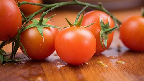 vegetable bunch of red tomatoes food