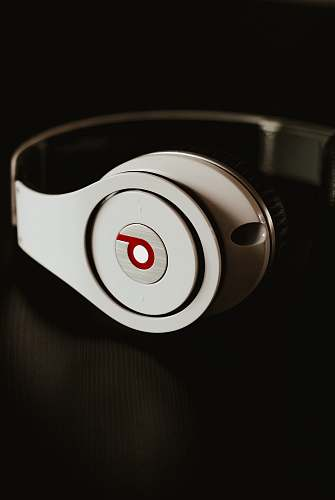 headphones white Beats by Dr. Dre Wireless headphones headset