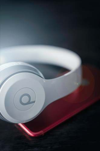 halifax closeup photo of white Beats by Dr. Dre wireless headphones canada