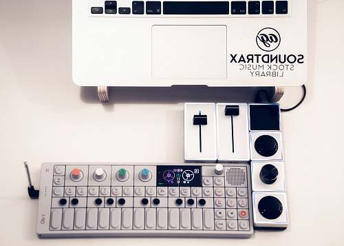 keybaord gray Soundtrax mixing console studio