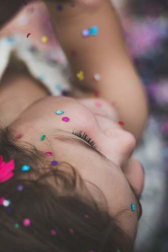 kid girl's head confetti