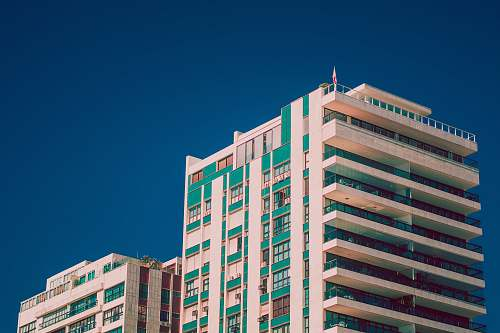 photo city white and green high-rise building housing free for commercial use images