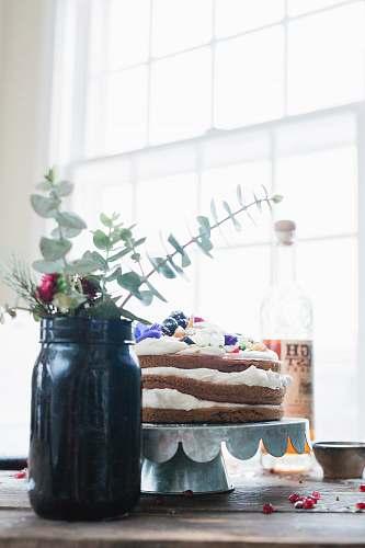 vase black mason jar with plant cake