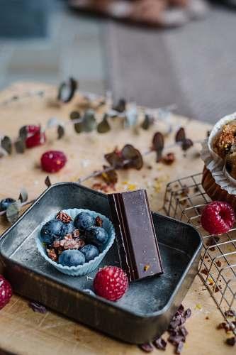 plant blueberries in bowl raspberry