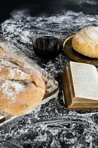 bread bread with powdered sugar bun