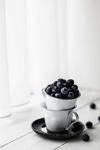 fruit bucket of black berries blueberry