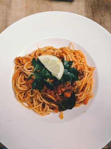 spaghetti cooked pasta in plate pasta
