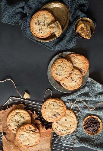 bread cookies on gray stainless steel plate cracker