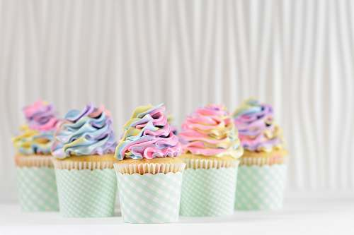 creme five cupcake cupcake