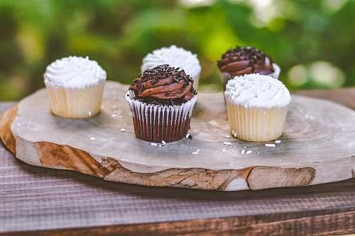 creme five cupcakes cupcake