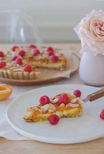 dessert fruit pizza cake