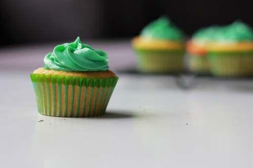 cake green cupcake selective photography cream