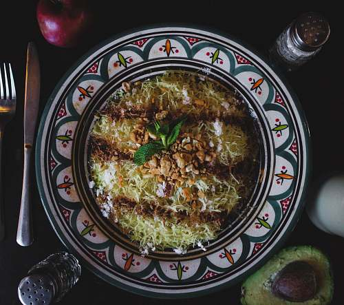 dish noodle recipe in plate meal