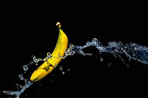 plant one yellow banana and water banana