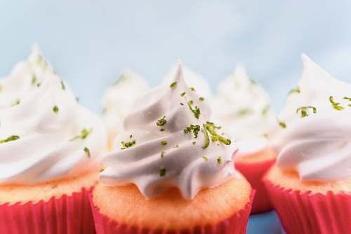 cream orange cupcakes cake