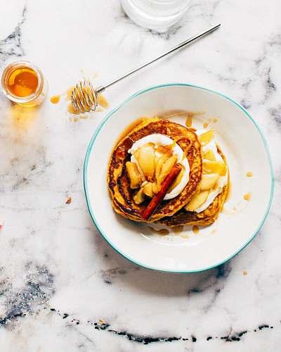 honey pancakes with cinammon breakfast