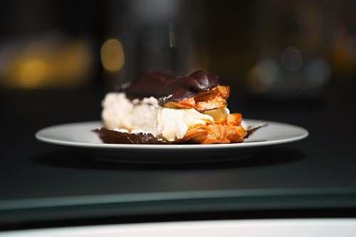 creme plate of dessert cream