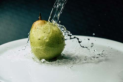 pear pouring water green pearl plant
