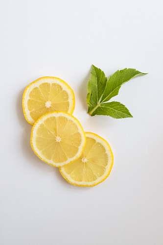 fruit slice of lemon plant