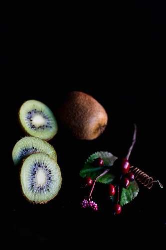 fruit sliced kiwi fruits kiwi
